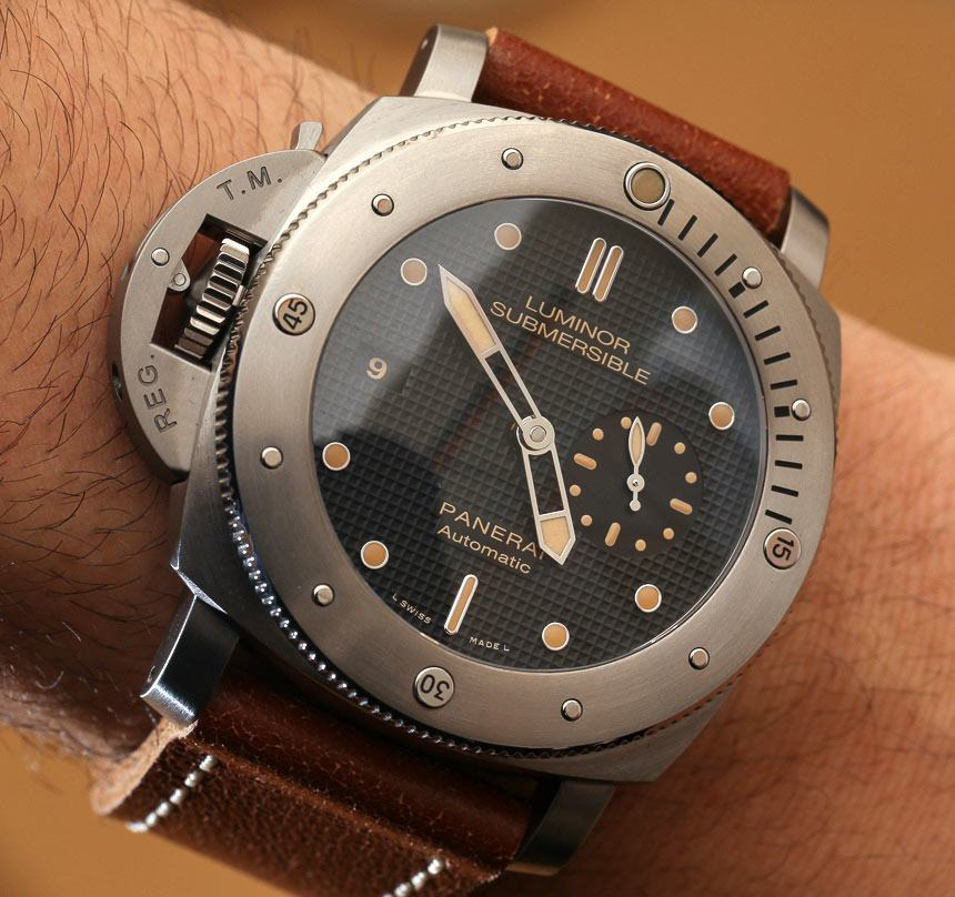 Panerai Luminor Submersible Left-Handed Titanio PAM569 Watch Hands-On Hands-On