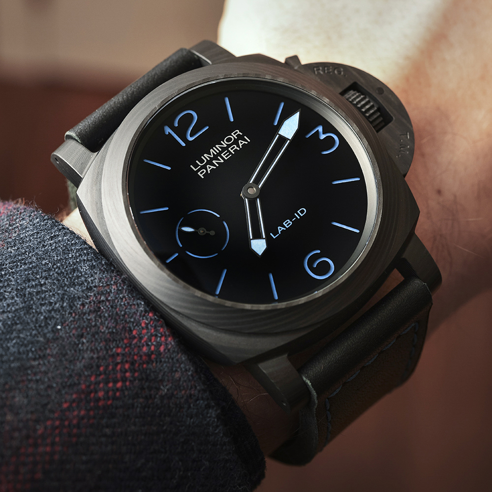 Panerai LAB-ID Luminor 1950 Carbotech 3 Days PAM 700 Watch Hands-On Hands-On
