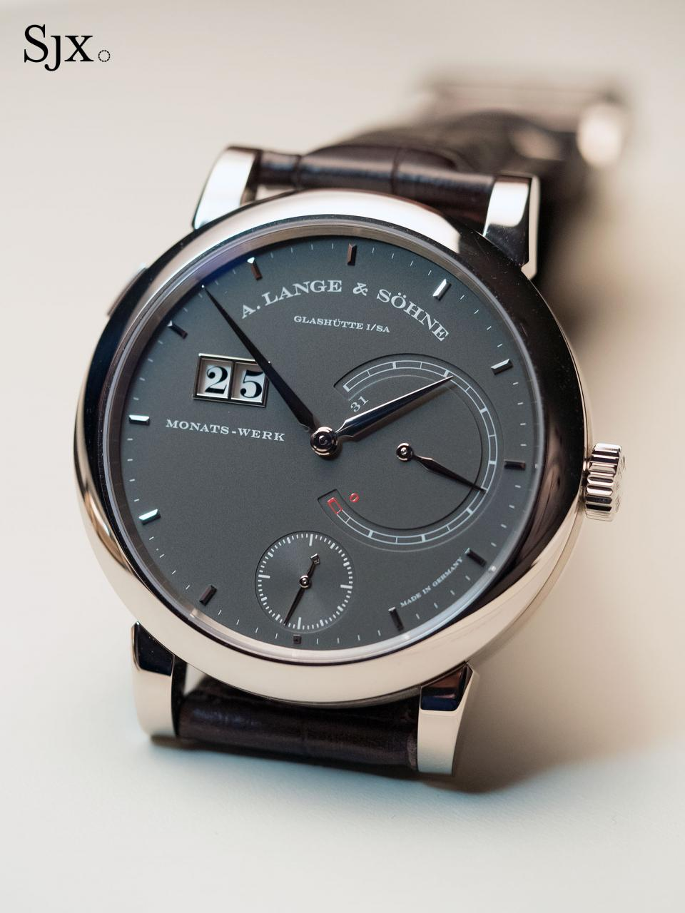 Lange 31 white gold grey 1